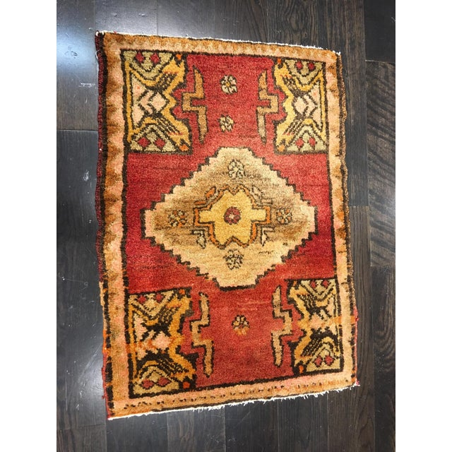 """Small Welcome Mat Size Vintage Turkish Anatolian Rug - 1'10""""x2'8"""" - Image 2 of 6"""