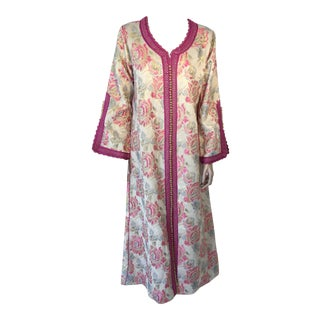 Vintage 1970s Moroccan Kaftan Brocade Embroidered With Pink and Gold Trim For Sale