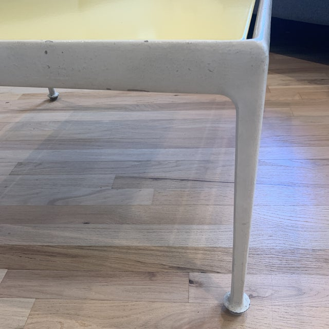 Metal 1960s Mid-Century Modern Knoll Richard Schultz Table For Sale - Image 7 of 10