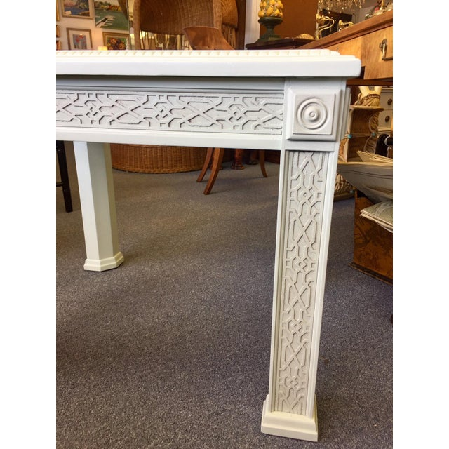 1950s 1950s Vintage Chinese Chippendale Style Fretwork Design End Table For Sale - Image 5 of 11