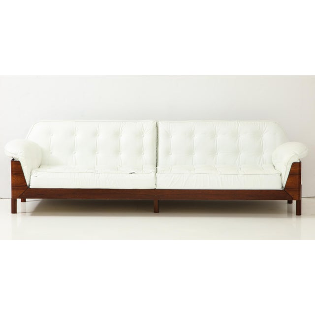 Brazilian Sofa in Jacaranda and White Leather For Sale - Image 4 of 13