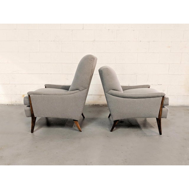 1960s Restored Kroehler Mid-Century Modern Gray Wool Walnut Lounge Chairs - a Pair For Sale - Image 5 of 13
