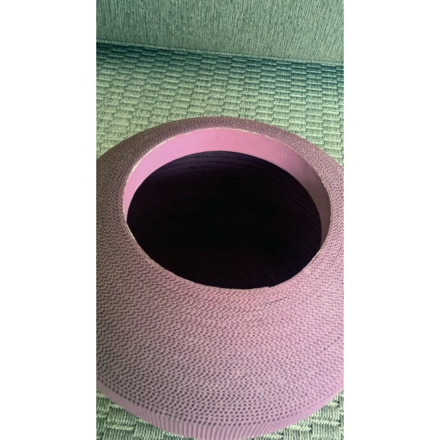 1980s Flute of Chicago Modern Dusty Rose Corrugated Cardboard Vase For Sale - Image 4 of 6