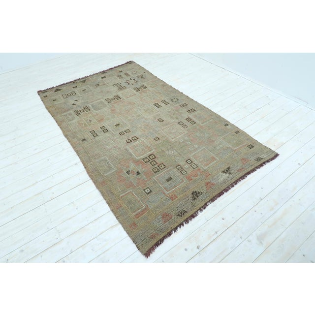 "Boho Chic Vintage Turkish Kilim Rug-5'3'x8'11"" For Sale - Image 3 of 13"