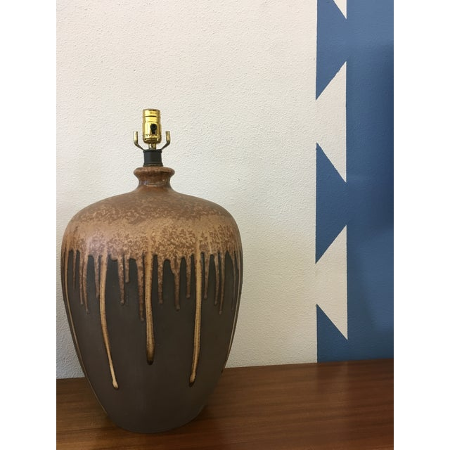 Mid-Century Modern Glazed Ceramic Lamps - A Pair For Sale In Los Angeles - Image 6 of 6