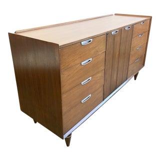 Mid Century Modern Nine Drawers Dresser For Sale