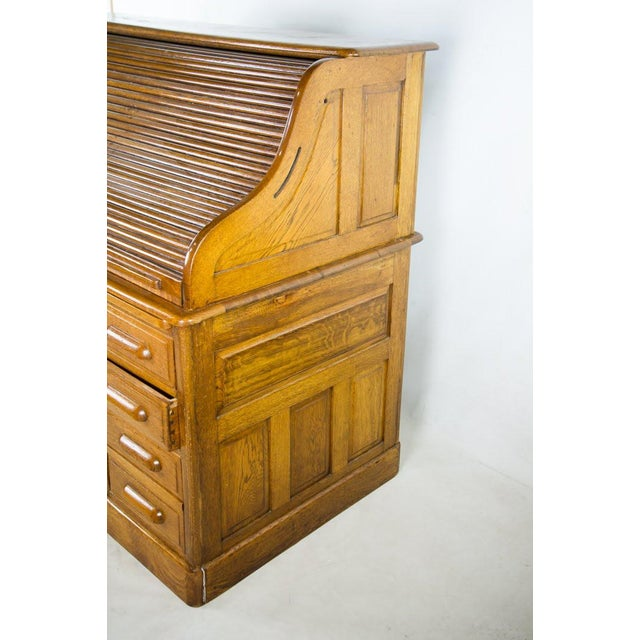 Antique American Classic Oak Rolltop Writing Desk For Sale In Atlanta - Image 6 of 13
