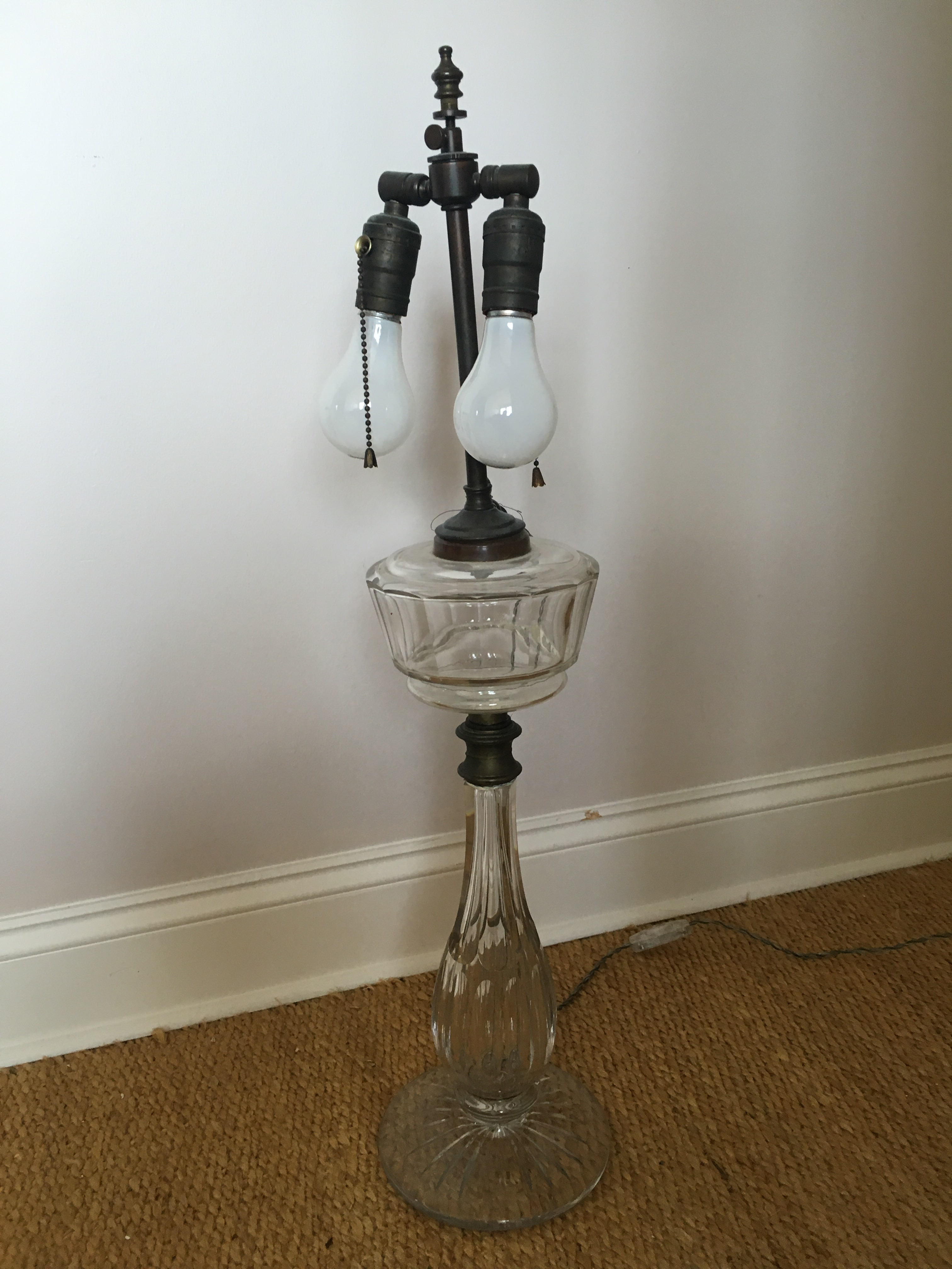 Vintage Leviton Glass Table Lamp   Image 5 Of 7