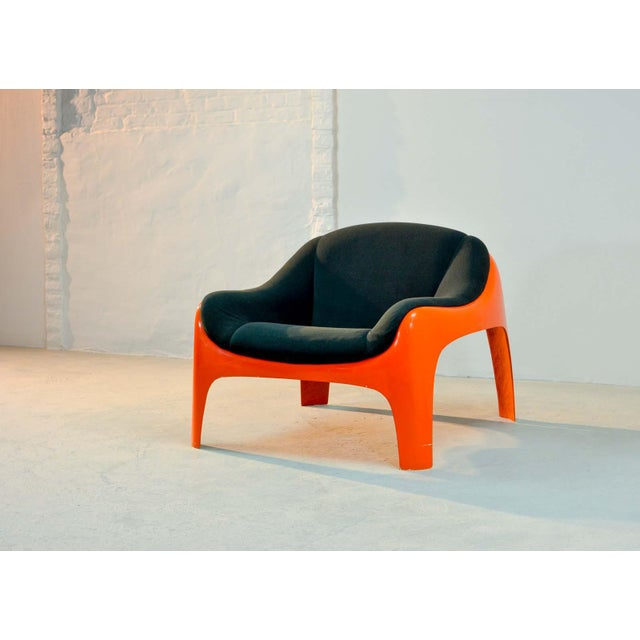 Iconic Mid -Century Design Italian Fiberglass Lounge Chair by Sergio Mazza for Artemide, 1960s For Sale - Image 6 of 11