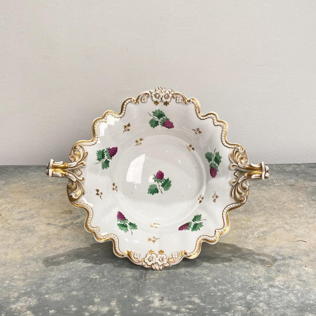 English Traditional 19th Century English Porcelain Footed Bowl For Sale - Image 3 of 8