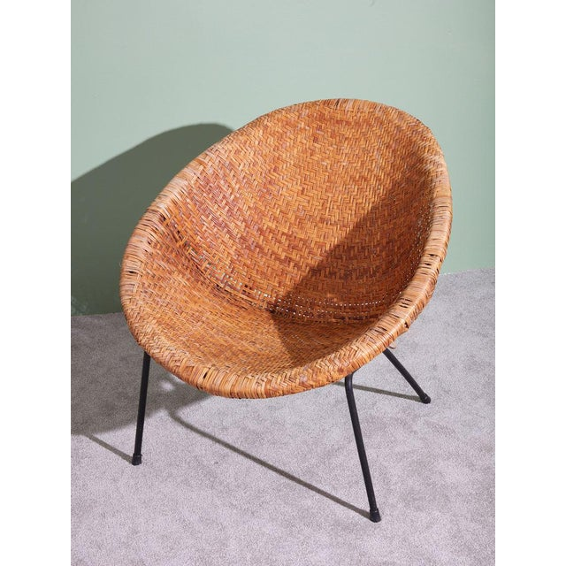 1960s Wicker and Iron Scoop Bucket Chair For Sale - Image 4 of 7