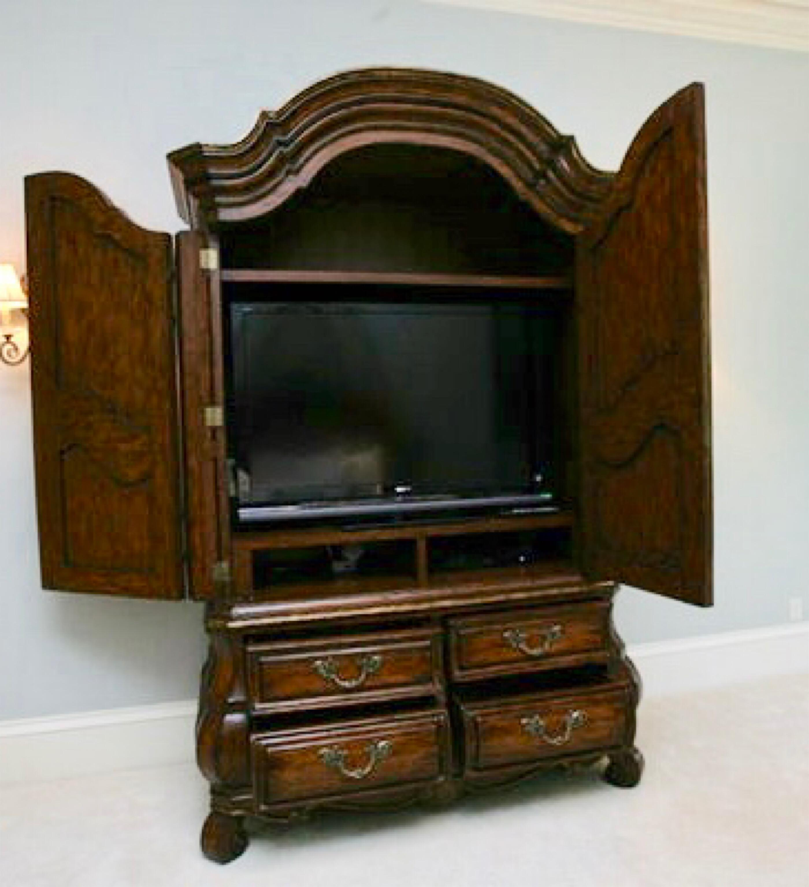 Ordinaire Marge Carson Bordeaux Oxford Armoire   Image 3 Of 7
