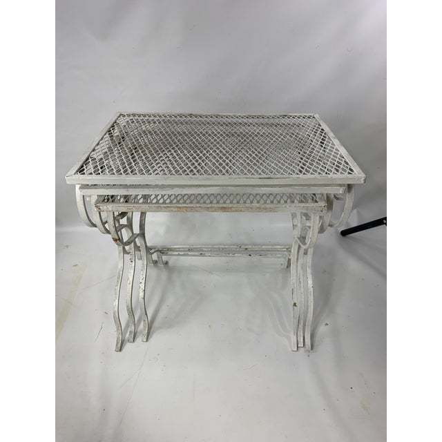 White 1950s Mid-Century Modern Salterini Tempestini Wrought Iron Nesting Tables - Set of 3 For Sale - Image 8 of 11