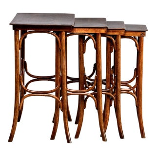 Thonet Quartetto - Set of Four Walnut Bentwood Stacking Tables For Sale