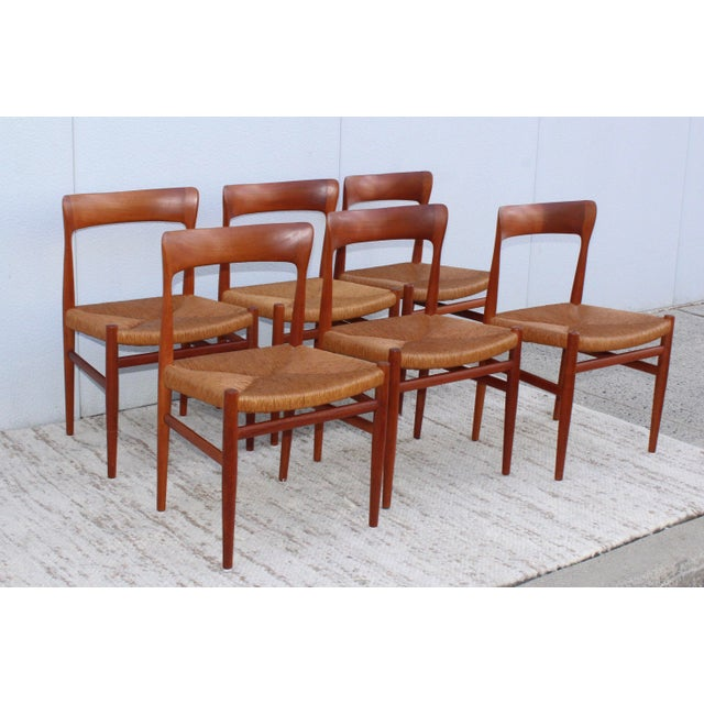Mid-Century Modern 1950's Danish Teak Sculptural Dining Chairs - Set of 6 For Sale - Image 3 of 13