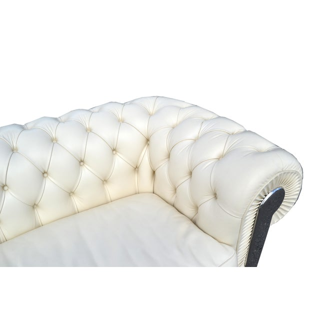 White Fendi Casa Albino Tufted Leather Sofa in Chesterfield Style For Sale - Image 8 of 11