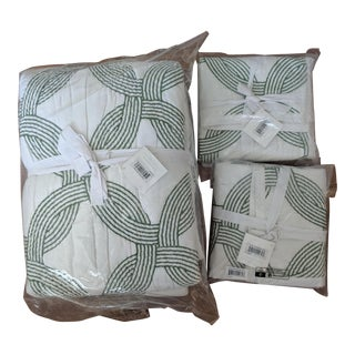 Serena & Lily Owens Embroidered Green and White King Quilt + 2 Shams - 3 Pc. Set For Sale