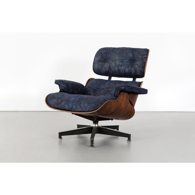 Herman Miller Early Production Eames Rosewood Lounge Chair and Ottoman For Sale - Image 4 of 13
