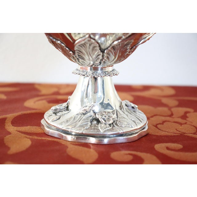 Mid 19th Century 19th Century English William IV Silver Cup For Sale - Image 5 of 11