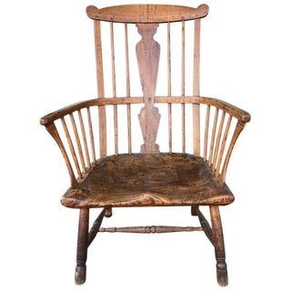 18th Century English Ash, Elm and Walnut Comb-Back Windsor Armchair For Sale
