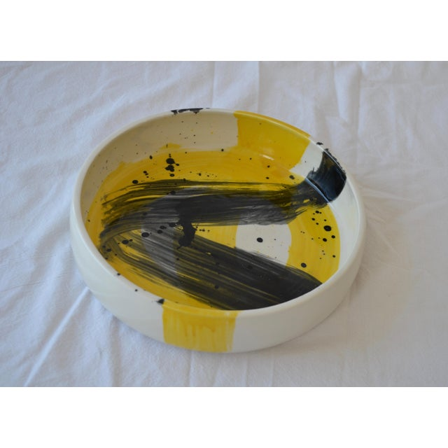 Abstract Expressionism Contemporary Ceramic Utility Bowl For Sale - Image 3 of 5