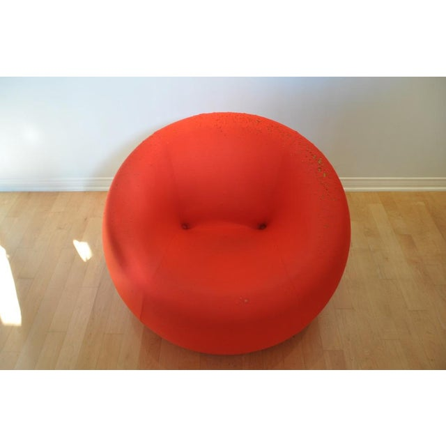 "Abstract Modern B&B Italia Red ""Up1"" Classic Foam Chair by Gaetano Pesce For Sale - Image 3 of 5"