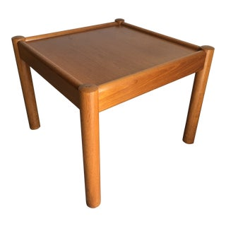 Vintage Mid Century Danish Modern End Table. For Sale