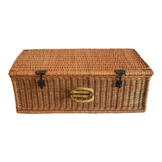 Vintage Wicker Traveling Suitcase Trunk For Sale