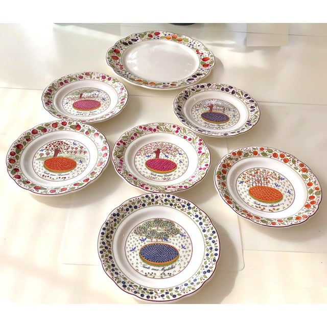Gien Cake Plate With Serving Plates in Original Box - 7 Pc. Set For Sale In New York - Image 6 of 13