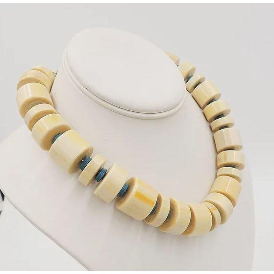 Modern Monet Beaded Ad Piece Necklace, 1982 For Sale - Image 3 of 7