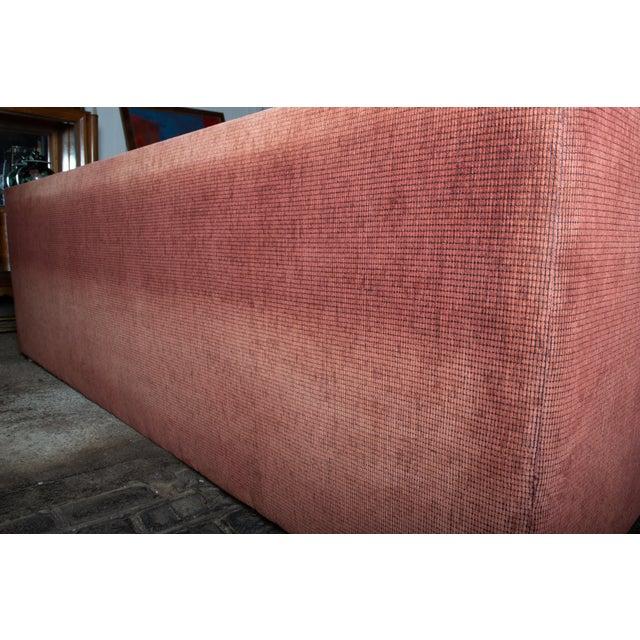 1990s Vintage Custom Made John Saladino Sofa For Sale - Image 13 of 34
