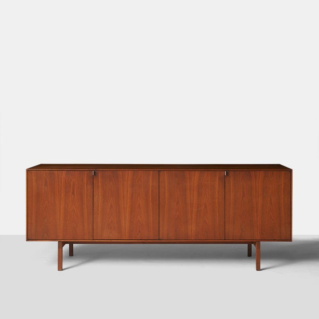 Mid-Century Modern Credenza Model #541 by Florence Knoll For Sale - Image 3 of 11