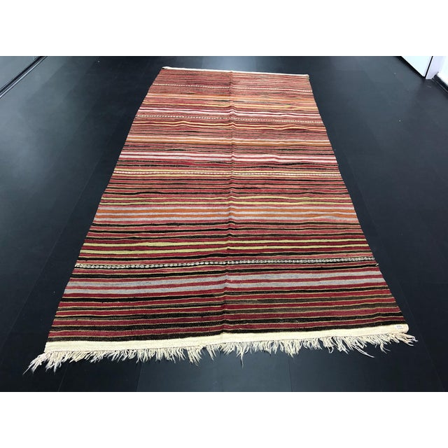 1960s Vintage Handwoven Turkish Kilim Rug - 5′3″ × 10′11″ For Sale - Image 11 of 11