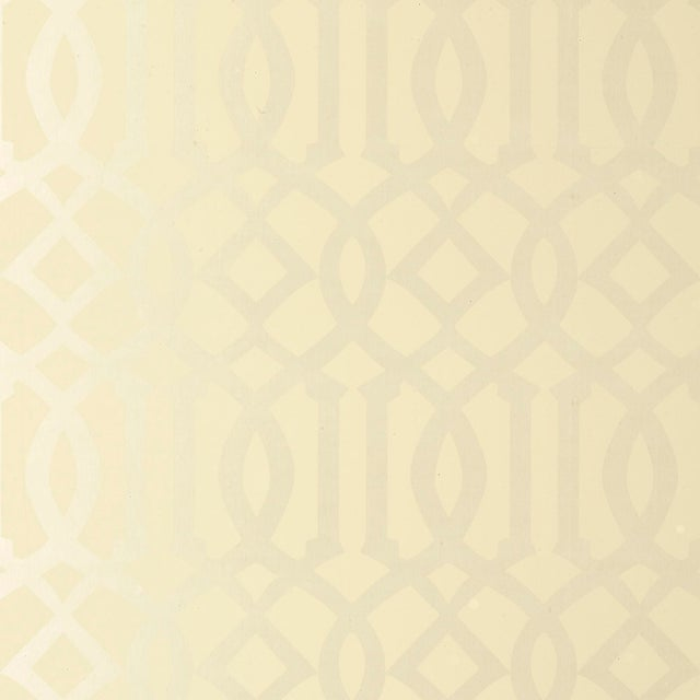 Contemporary Schumacher Imperial Trellis Wallpaper in Alabaster For Sale - Image 3 of 3