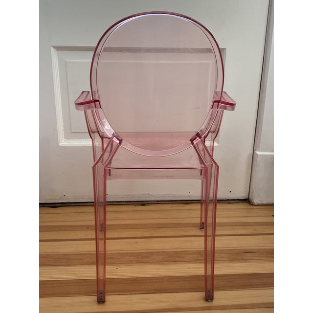 Kartell Kartell Pink Lucite Lou Lou Ghost Children's Chair For Sale - Image 4 of 11