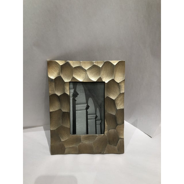 Kenneth Ludwig Chicago Brushed Gold 4x6 Picture Frame For Sale - Image 4 of 9