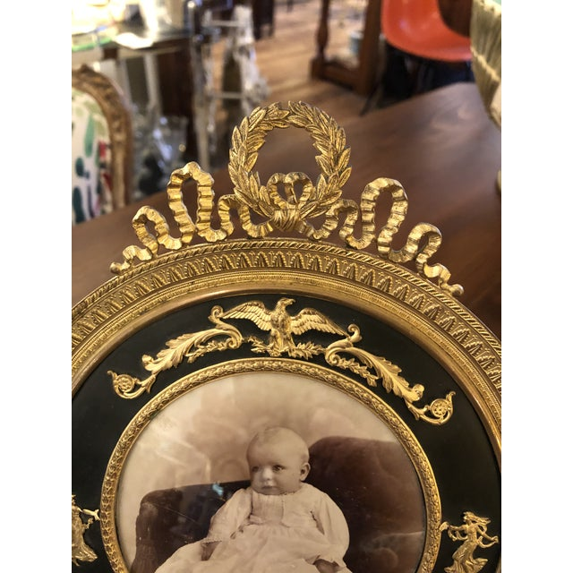 Traditional French Empire Antique Patinated Bronze Round Picture Frame For Sale - Image 3 of 10