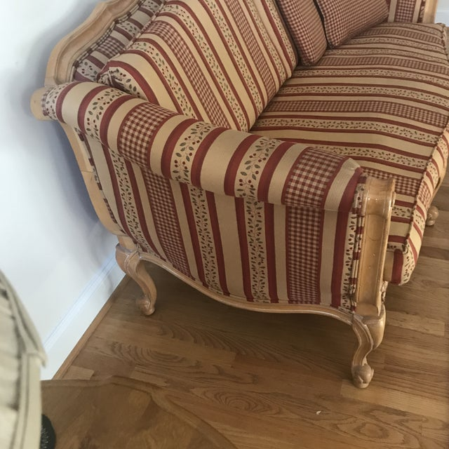 Custom ordered from Ethan Allen in 2004. Like new condition seldom used.