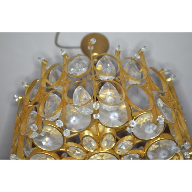 1960s Vintage Hollywood Regency Crystal Chandelier in Style of Gaetano Scilari for Palwa For Sale - Image 5 of 9