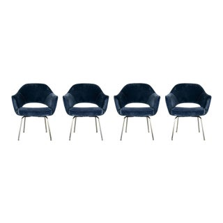 1970s Set of 4Velvet Upholstered Eero Saarinen Chairs For Sale