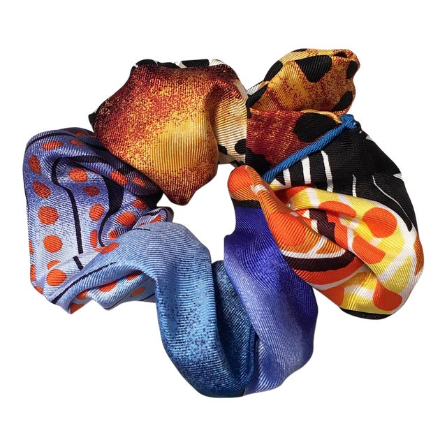 Hermes Handmade Baobab Cat Silk Scarf Scrunchie in Bright Blues and Oranges For Sale