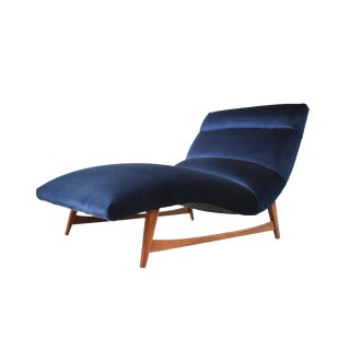 Mid-Century Modern Chaise Lounge Chair For Sale