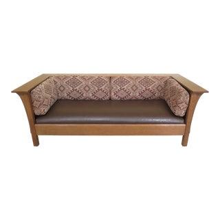 1990s Vintage Stickley Mission Oak Arts & Crafts Sofa For Sale