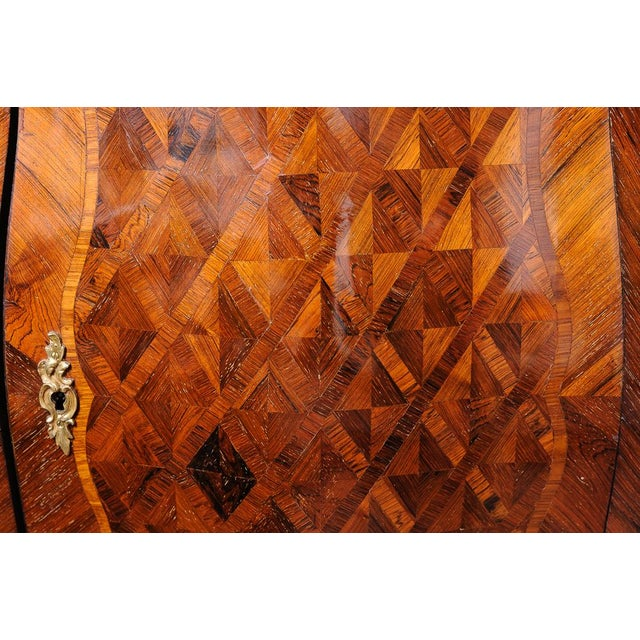 Late 19th Century Antique French walnut corner cabinet. For Sale - Image 5 of 7