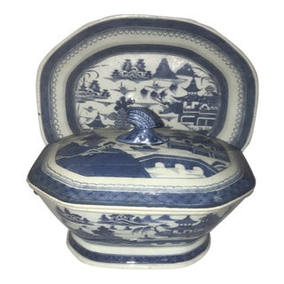 18th-19th Century Canton Porcelain Tureen With Under Platter For Sale