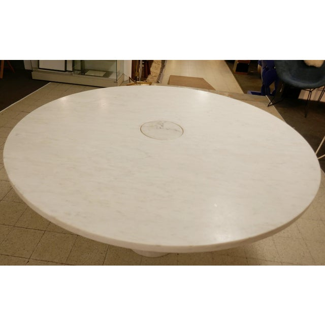 Mid-Century Modern Angelo Mangiarotti Marble Round Dining Table, 1970s For Sale - Image 3 of 6