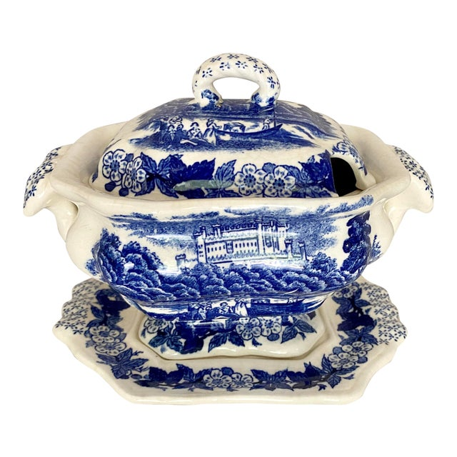 Vintage Blue and White Gravy Boat For Sale