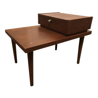 Mid-Century Modern American of Martinsville End Table For Sale