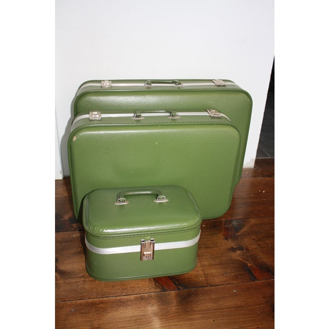 Vintage 3-Piece Nesting Suitcases - Image 3 of 11