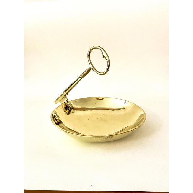 Vintage Virginia MetalCrafters Solid Brass Bowl With Key Handle For Sale - Image 13 of 13
